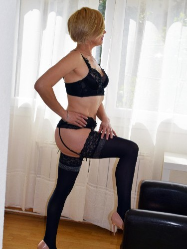 Sex ad by kinky MILF escort NinaEscort (43) in Madrid - Foto: 2