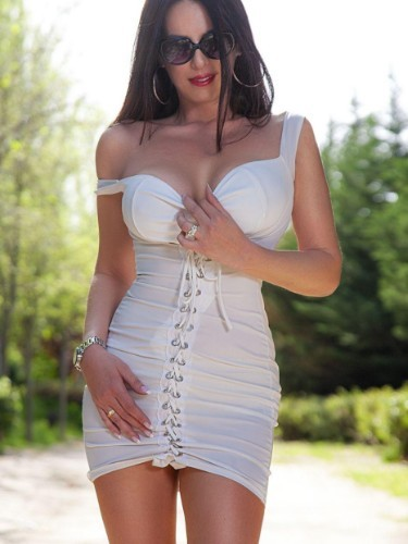 Sex ad by kinky escort Helena (31) in Madrid - Foto: 2