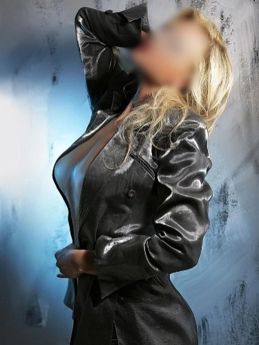Sex ad by kinky escort Professional Masseuse (32) in Madrid - Foto: 5