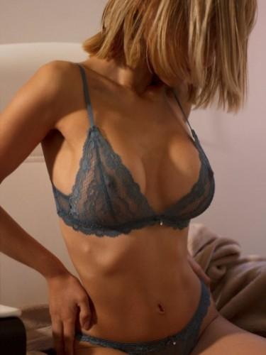 Sex ad by kinky escort Giovanna Moon (30) in Madrid - Foto: 4